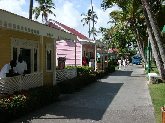 shops-on-caribbean-st